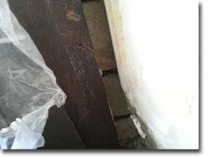 Anschluss Haustüre; fehlende Dämmung